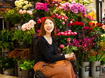 flower-shop-woman3